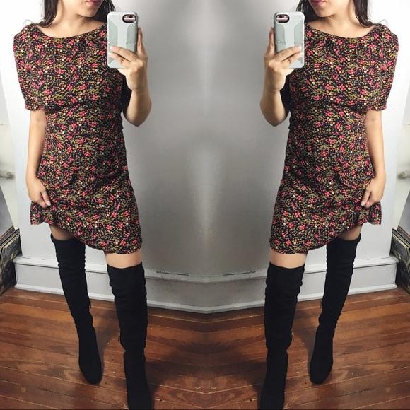 Forever 21 Dresses   Skirts - Cute 90s Floral Print Mini Dress 85b64578f